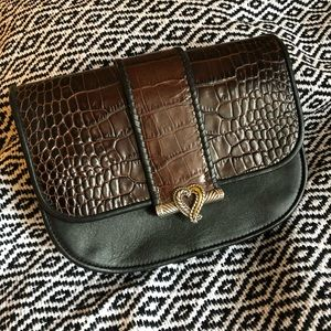 Brighton leather croc purse with heart clasp ❤️